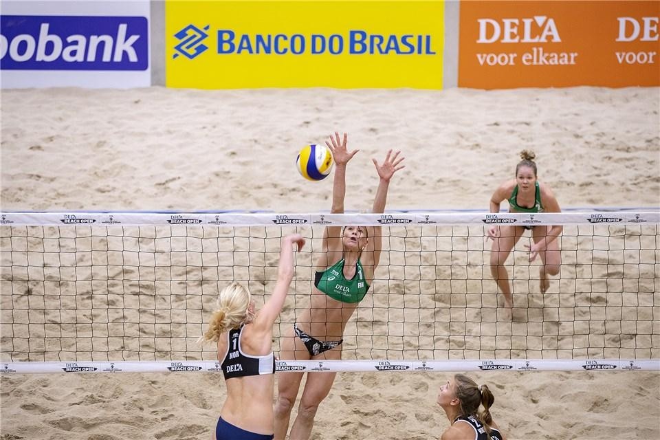 Action also began in the main draw of the women's event today ©FIVB