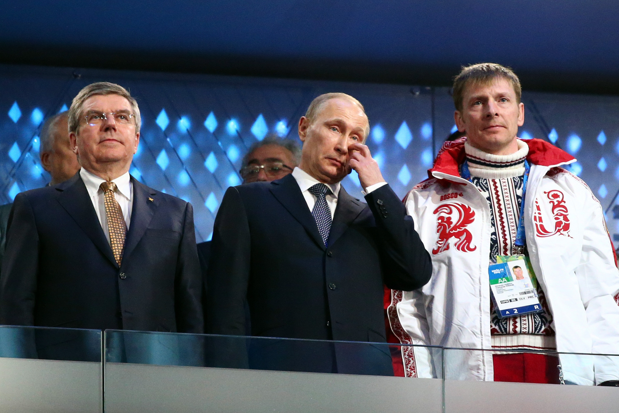 Alexander Zubkov, right, with IOC President Thomas Bach and Russian President Vladimir Putin ©Getty Images