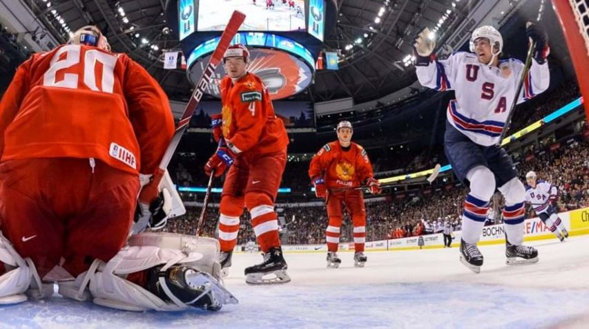 The United States advanced with a 2-1 win over Russia ©IIHF