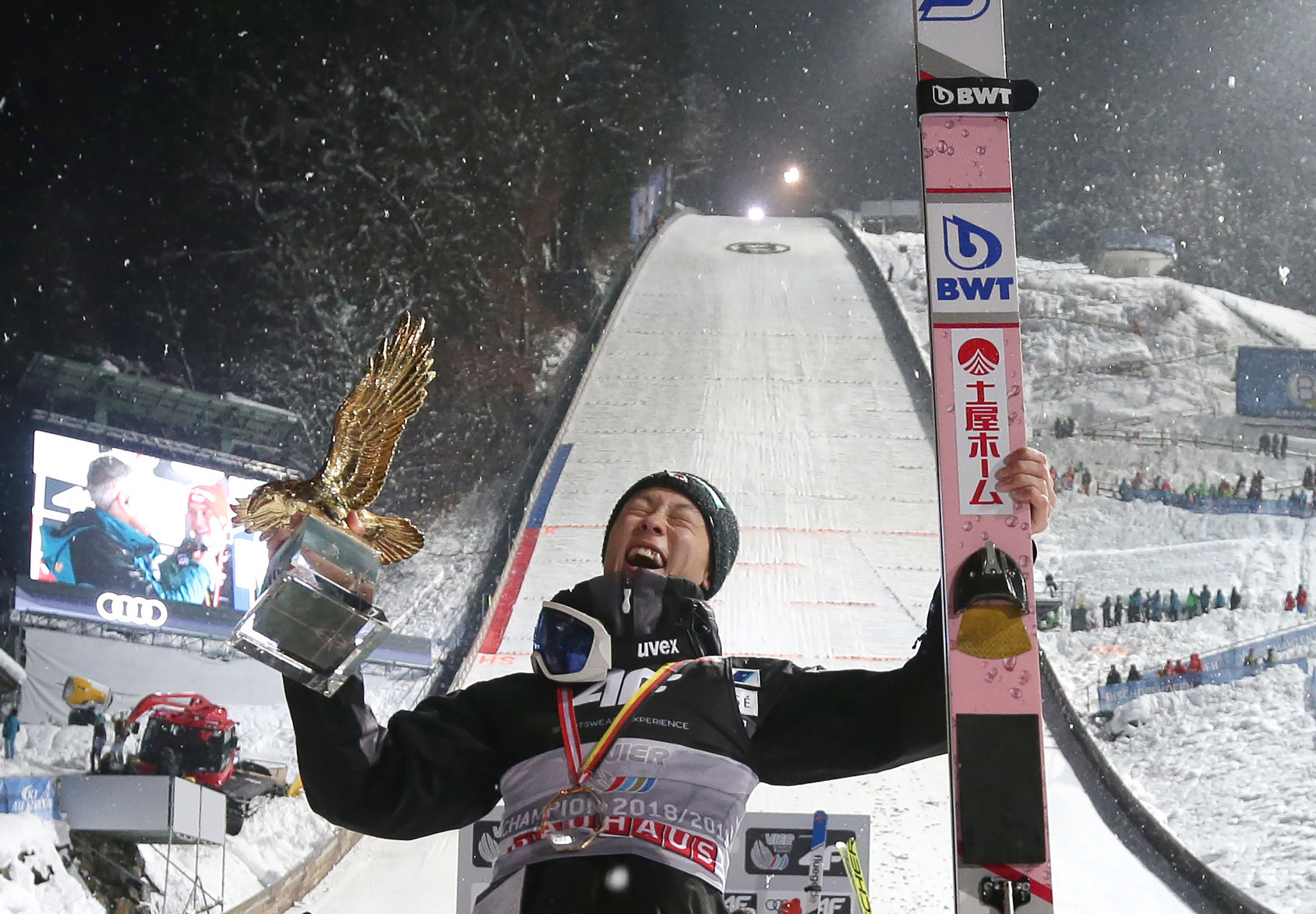 Kobayashi becomes third man to complete Four Hills Tournament clean sweep with win in Bischofshofen