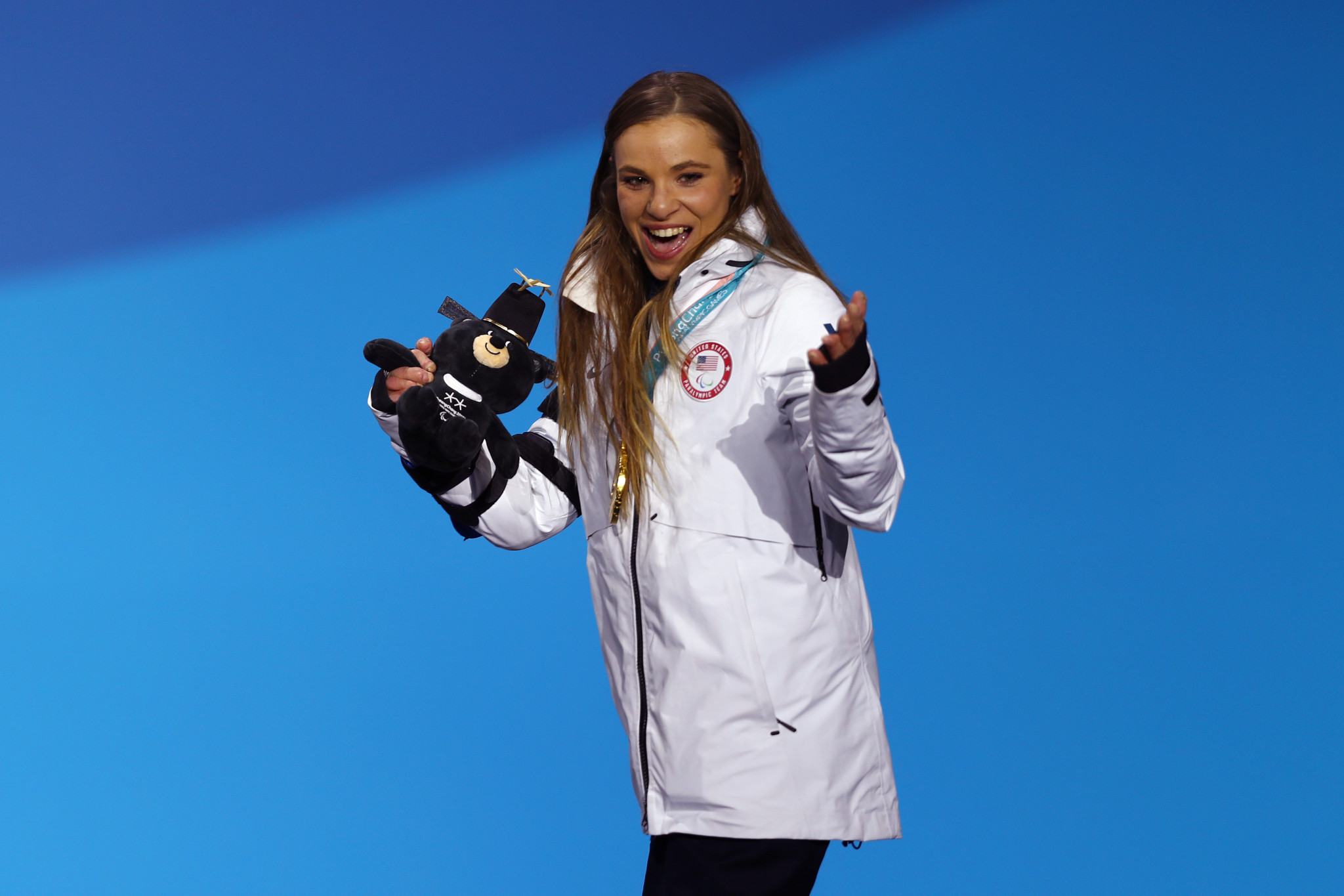 Oksana Masters celebrates winning gold at the 2018 Pyeongchang Winter Paralympic Games ©Getty Images