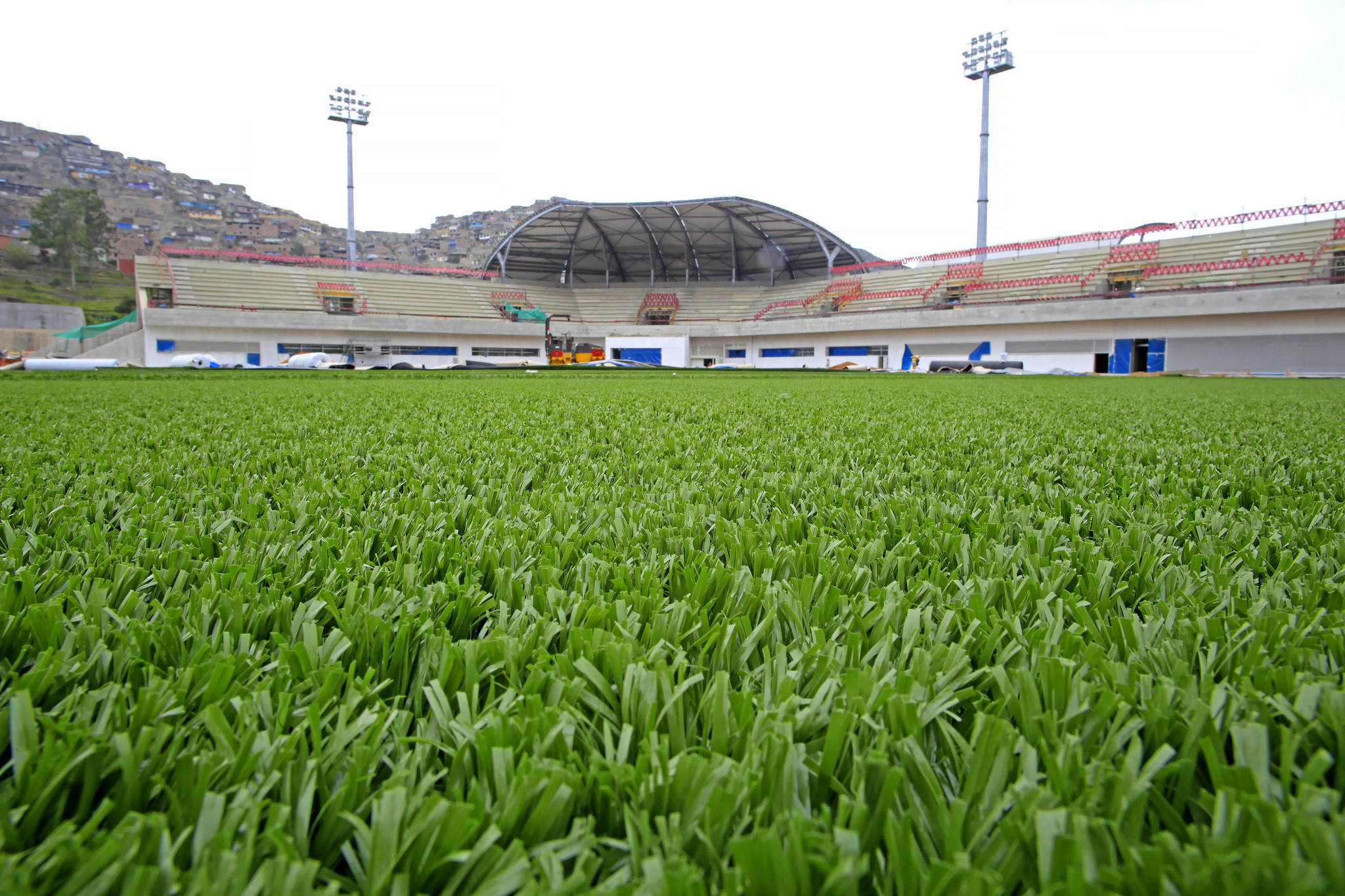 Synthetic turf at the Games' softball venue has been installed ©Lima 2019