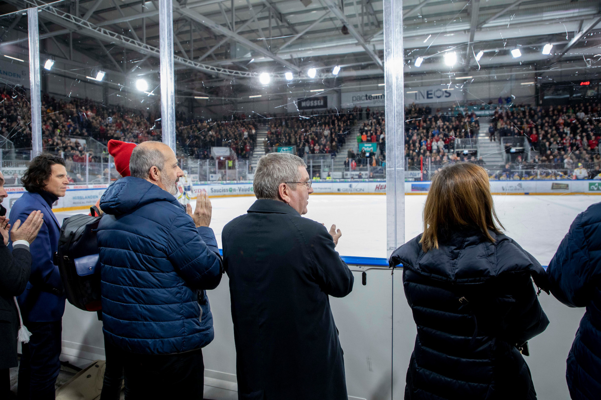 IOC President Thomas Bach was among the dignitaries in attendance at an ice hockey match in Lausanne, where mascot Yodli was unveiled ©IOC