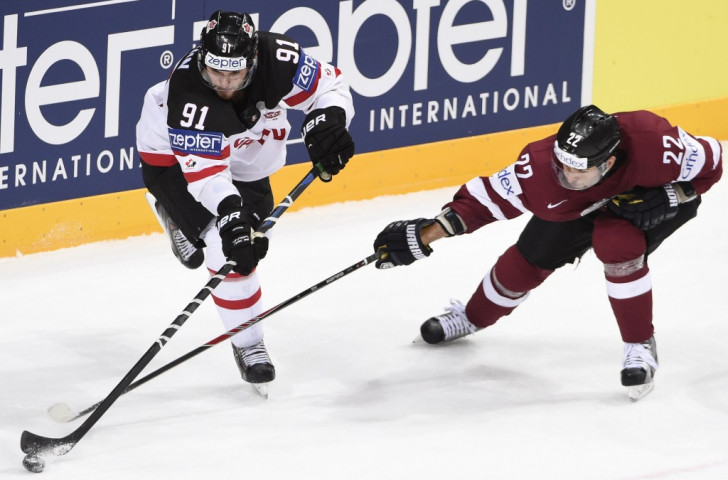 Canada and United States ease to victories to open men's ice hockey World Championships