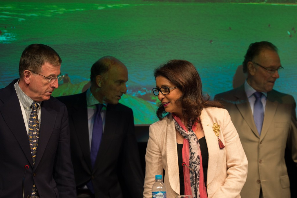 Gilbert Felli (left) pictured with IOC Coordination Commission chair Nawal El Moutawakel and Rio 2016 President Carlos Nuzman (right) ©Getty Images