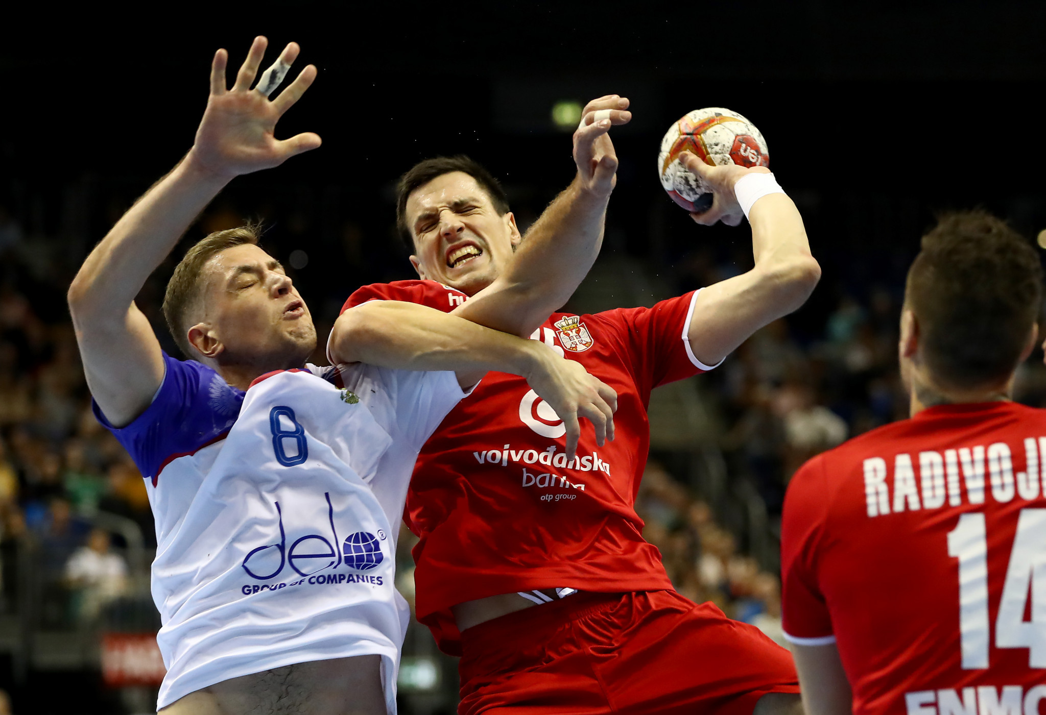 Serbia and Russia drew 30-30 in their Group A clash at the IHF Men's Handball World Championship in Berlin ©Getty Images