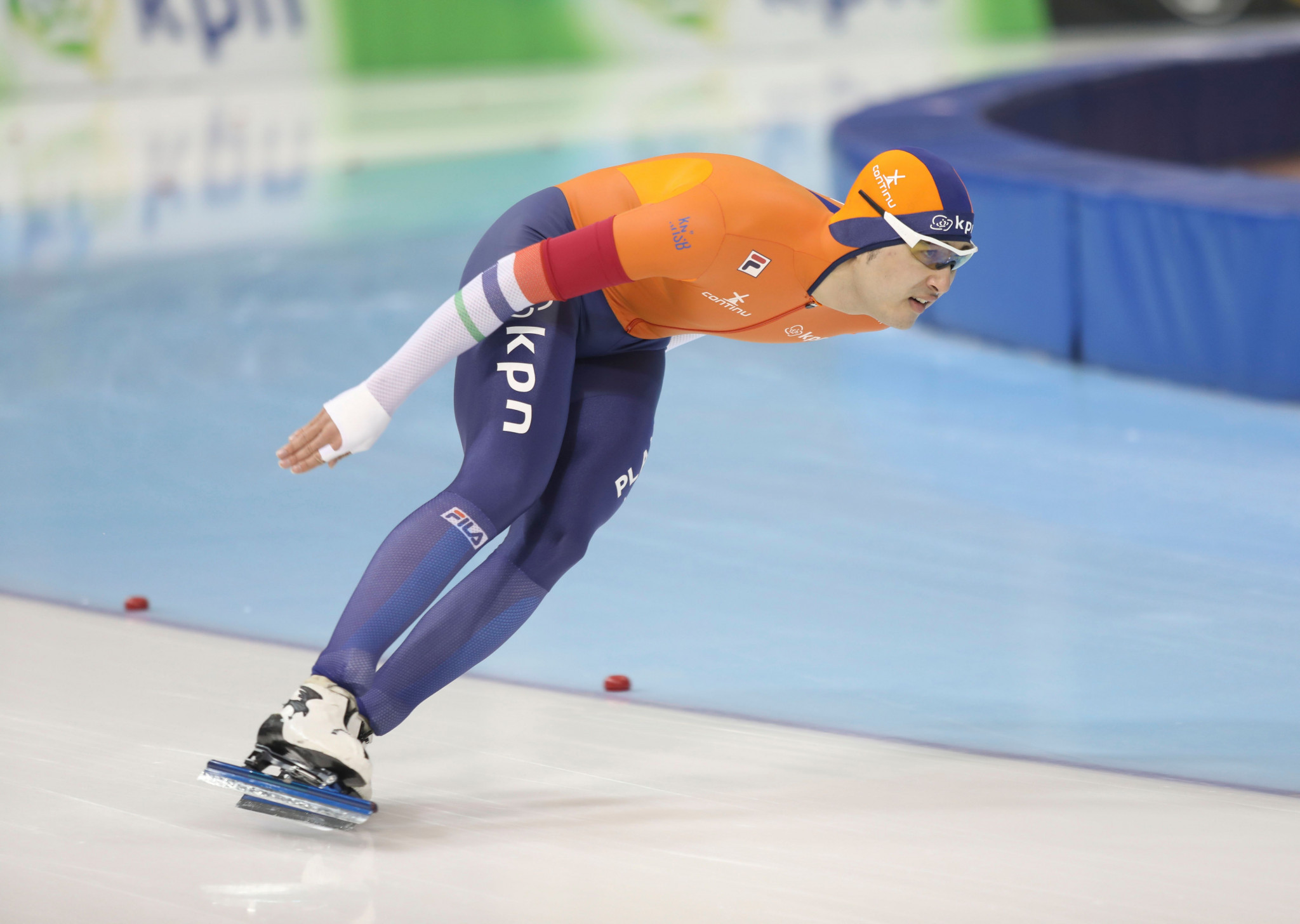 Dutch skater Kai Verbij retained his European Championships sprint title with victory at 500m and then a second place in the 1,000m at the Ritten Arena in Collalbo ©Getty Images