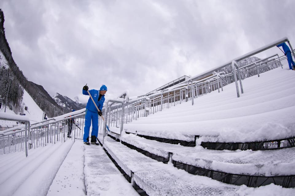 Start of IBU World Cup in Ruhpolding delayed as heavy snowfall continues in Traunstein