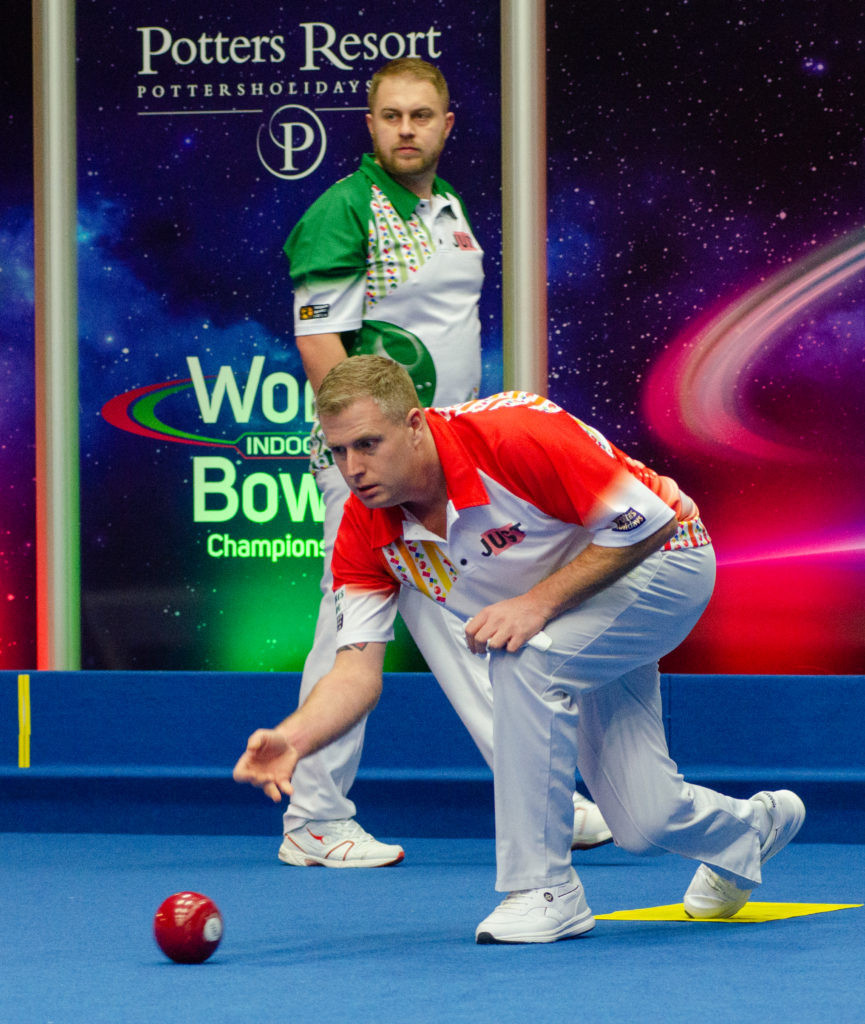 Robert Paxton beat fellow Englishman Ian McIntosh in round one ©World Bowls Tour