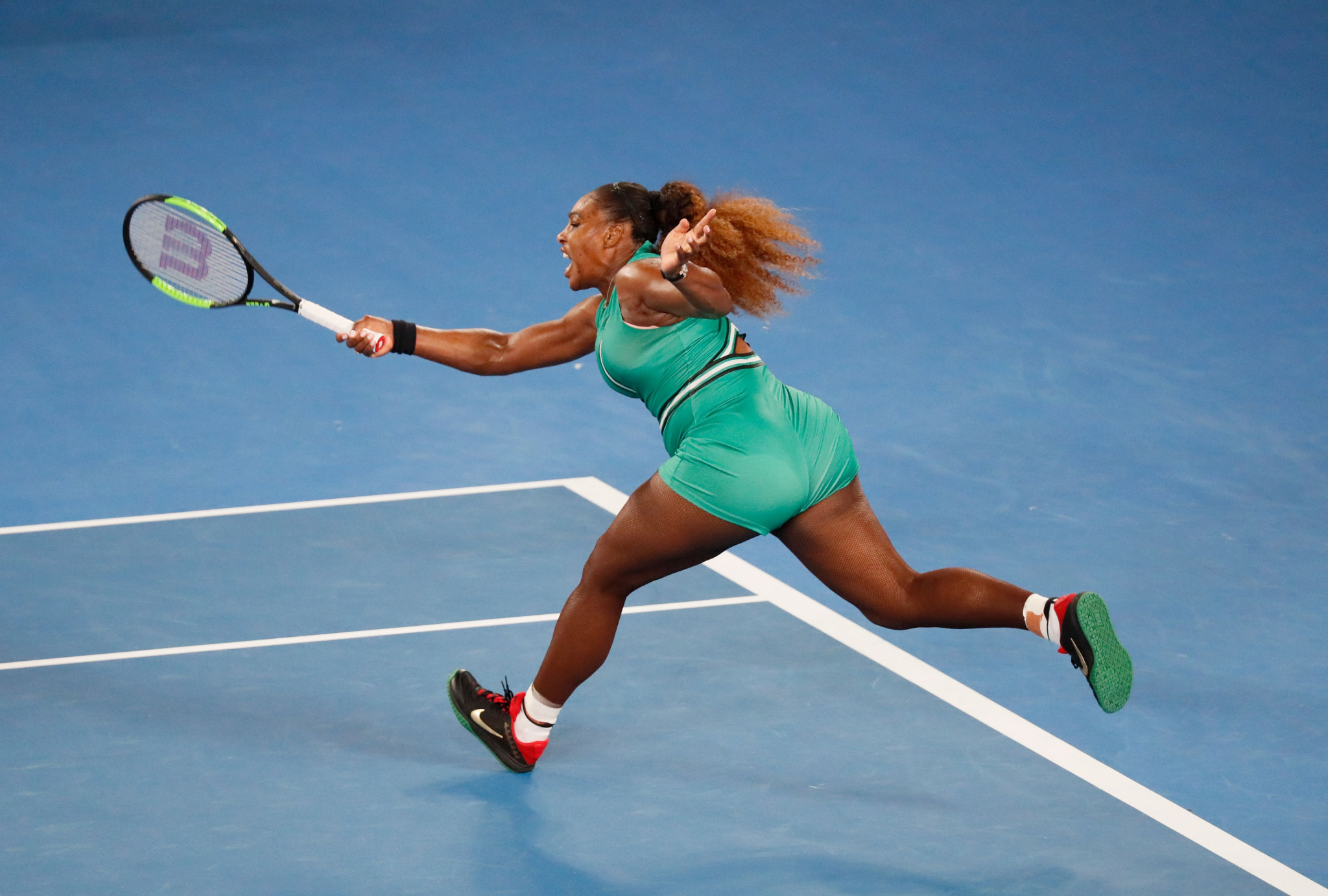Serena Williams had no such trouble as she powered into round three ©Getty Images