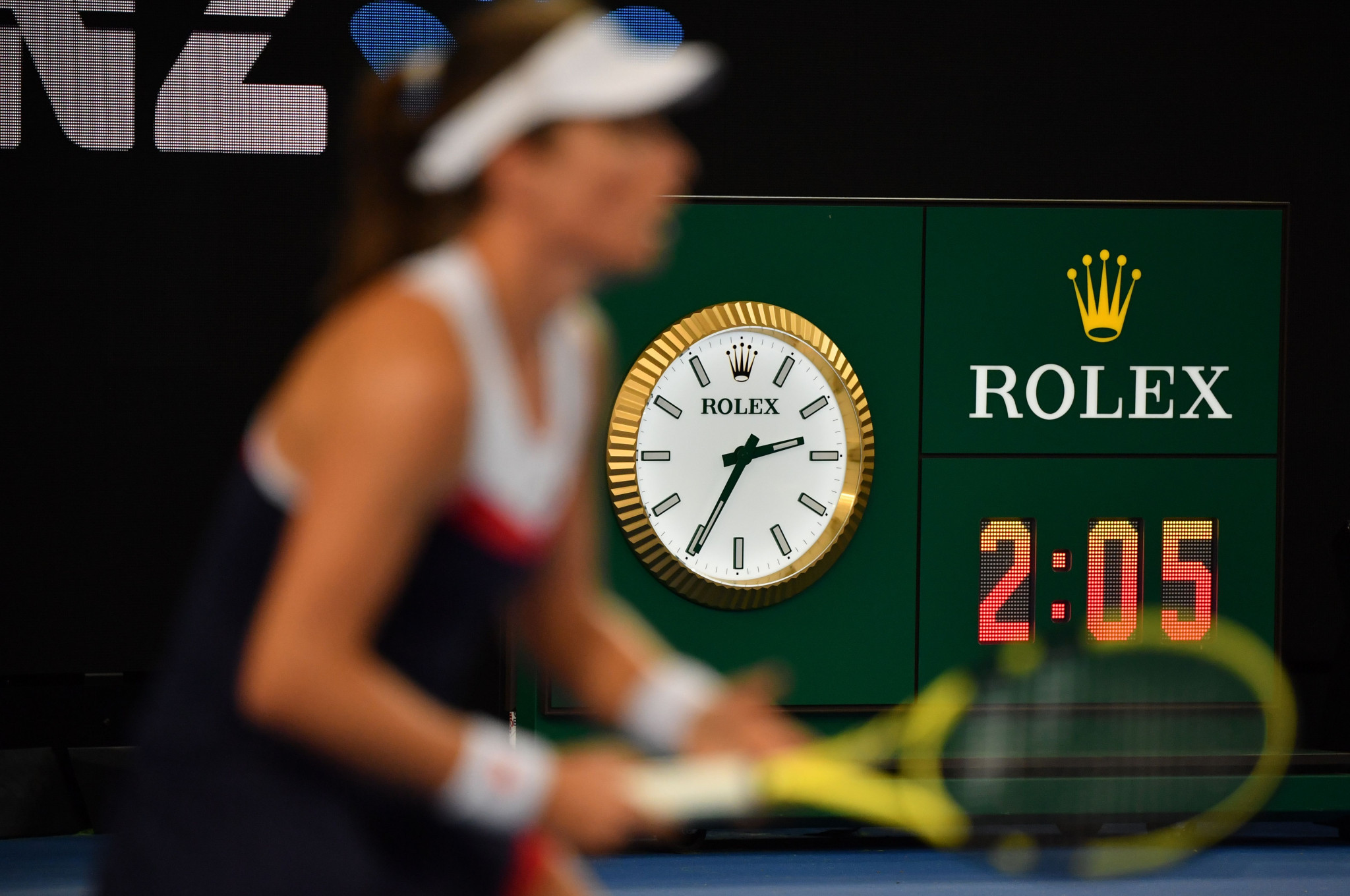 The match between Johanna Konta and Garbine Muguruza did not start until 12.30am local time ©Getty Images