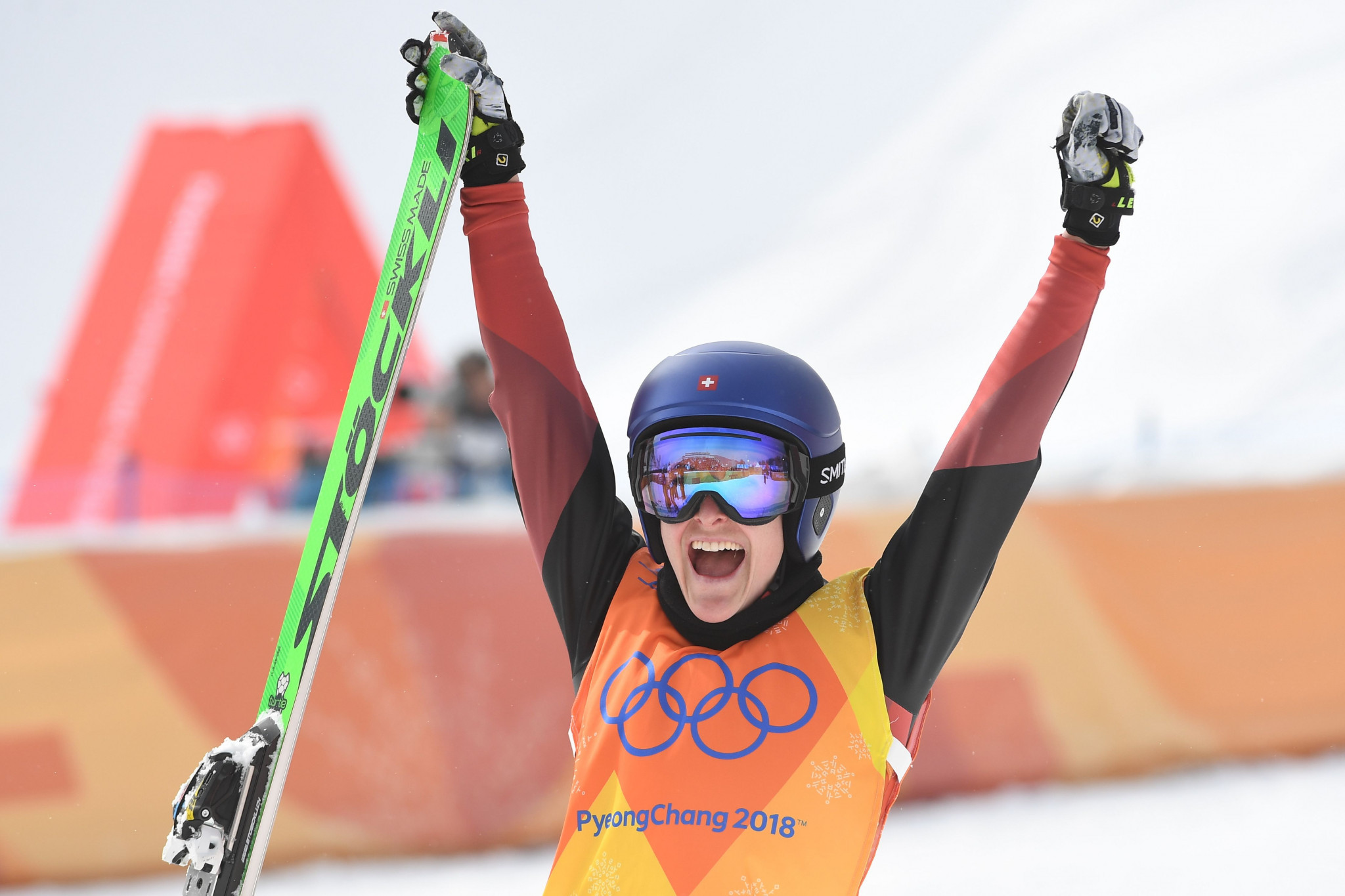 Smith leads women's qualifying as high winds force cancellation of second event at FIS Ski Cross World Cup