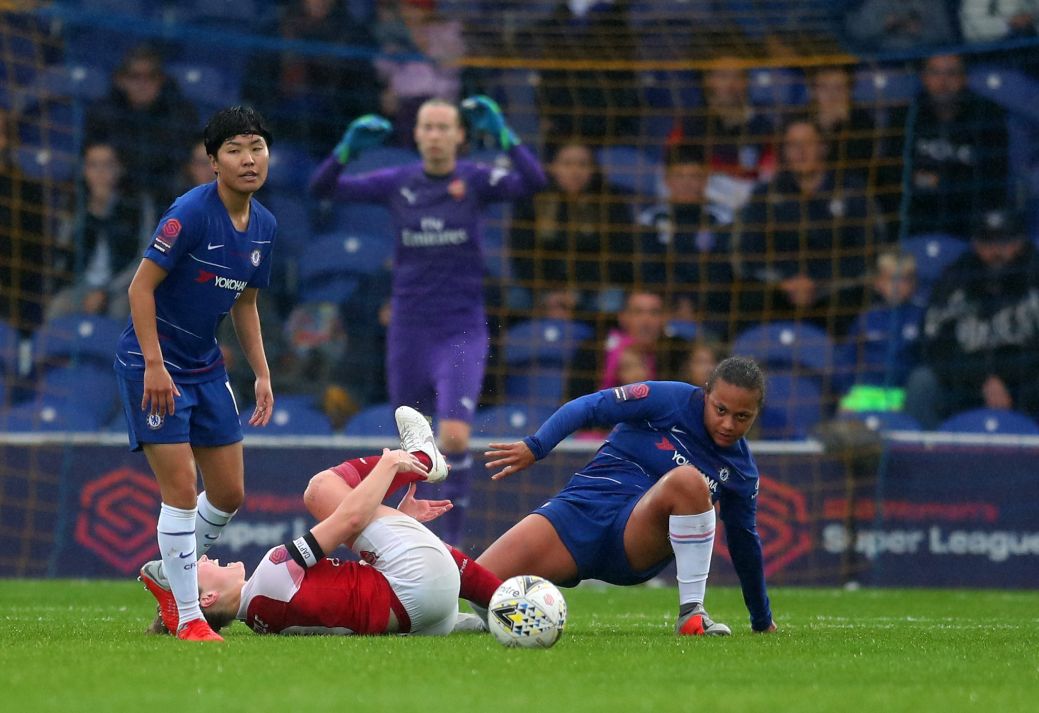 Chelsea's Drew Spence was only given a yellow card for a tackle which broke the leg of Arsenal's Kim Little, an example of the poor standard of officiating which can sometimes be found in women's football ©Getty Images