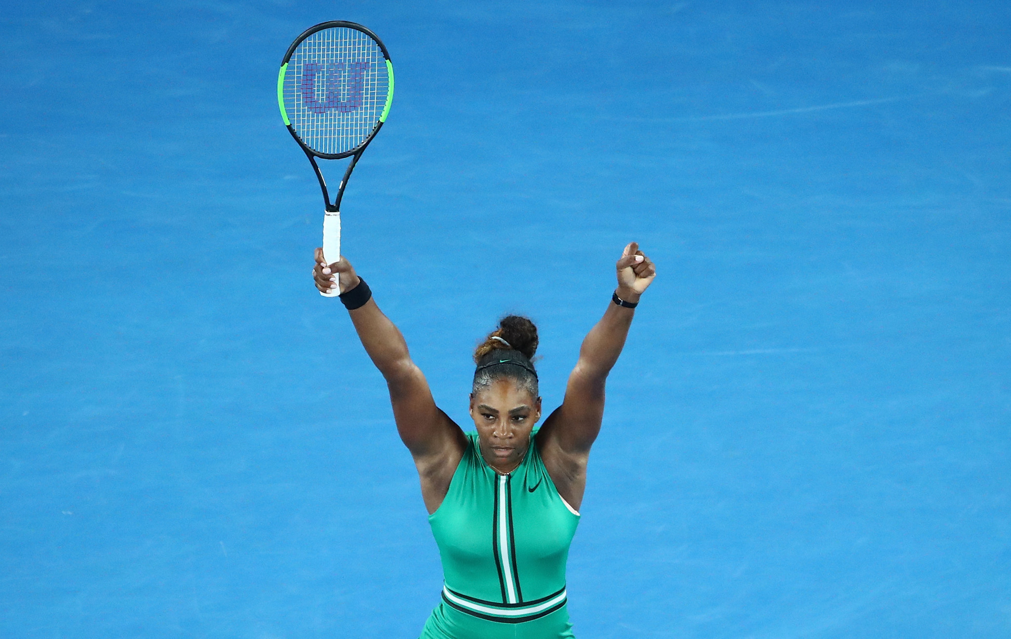 Williams battles past Halep to reach Australian Open quarter-finals