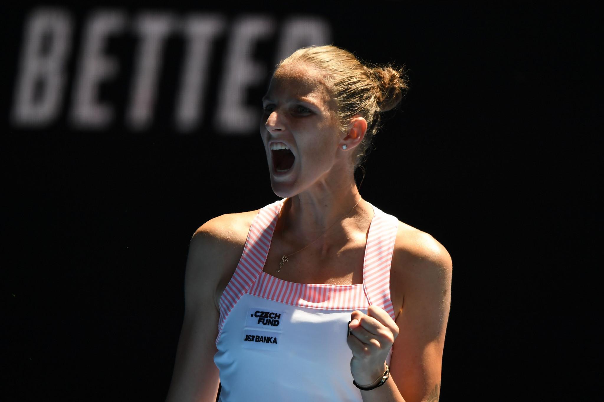 Plíšková beats Williams as Djokovic progresses after Nishikori retirement at Australian Open