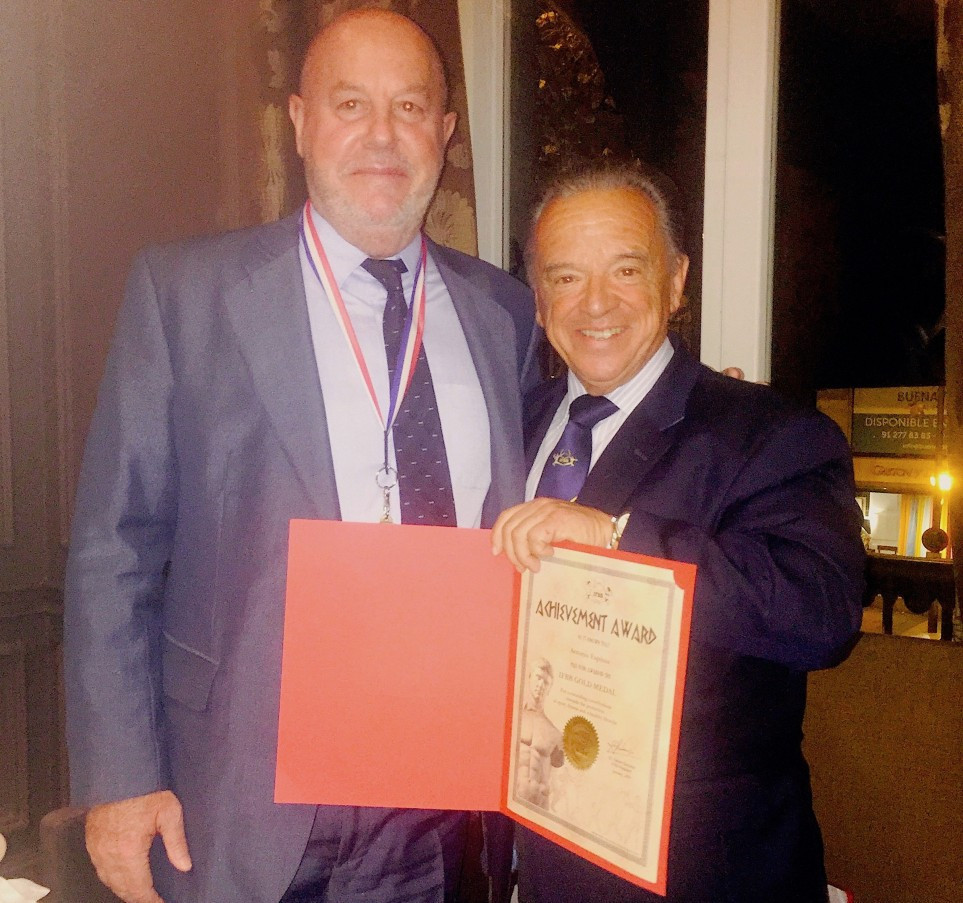 WKF President Espinós awarded IFBB gold medal