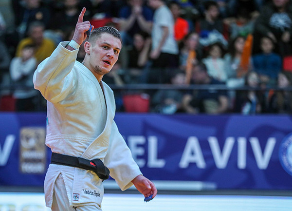 Belarus' Vadzim Shoka claimed his first World Tour gold with a late o-soto-gari in the men's under-73kg final ©IJF