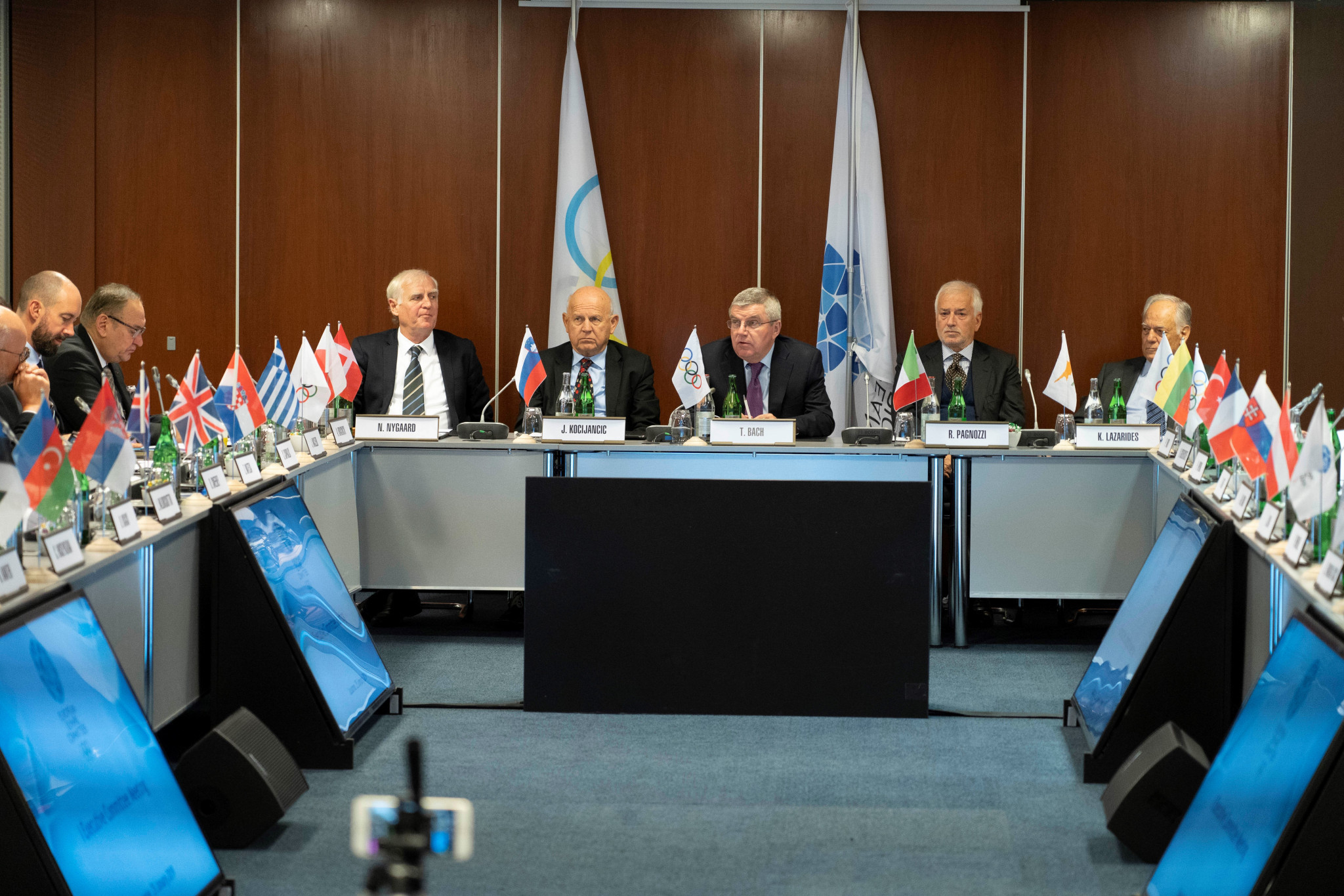 IOC President Thomas Bach again called on the EOC to defend the European Sports Model ©EOC