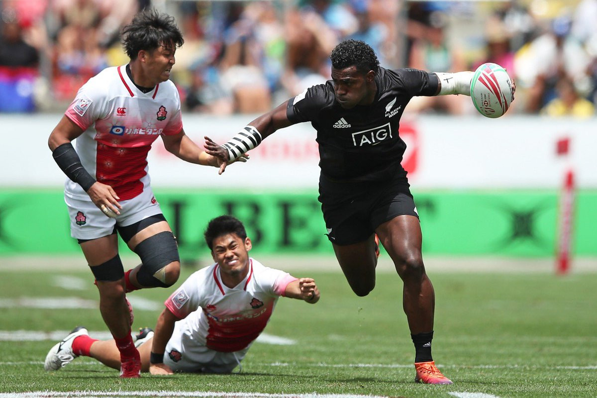Hosts New Zealand dominate first day of World Rugby Sevens Series in Hamilton