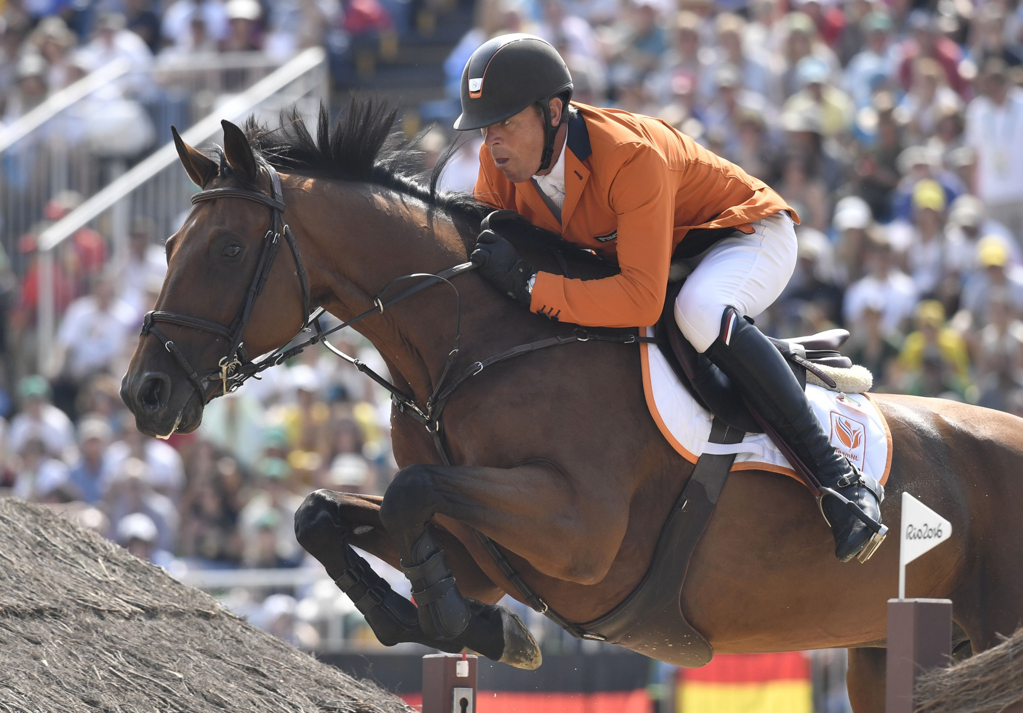Dubbeldam seeking home victory at FEI Jumping World Cup in Amsterdam