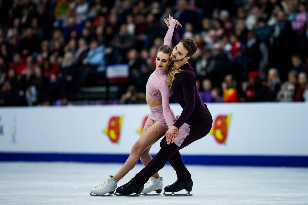 France's Gabriella Papadakis and Guillaume Cizeron won the ice dance event at the ISU European Figure Skating Championships in Minsk for their fifth consecutive title ©ISU