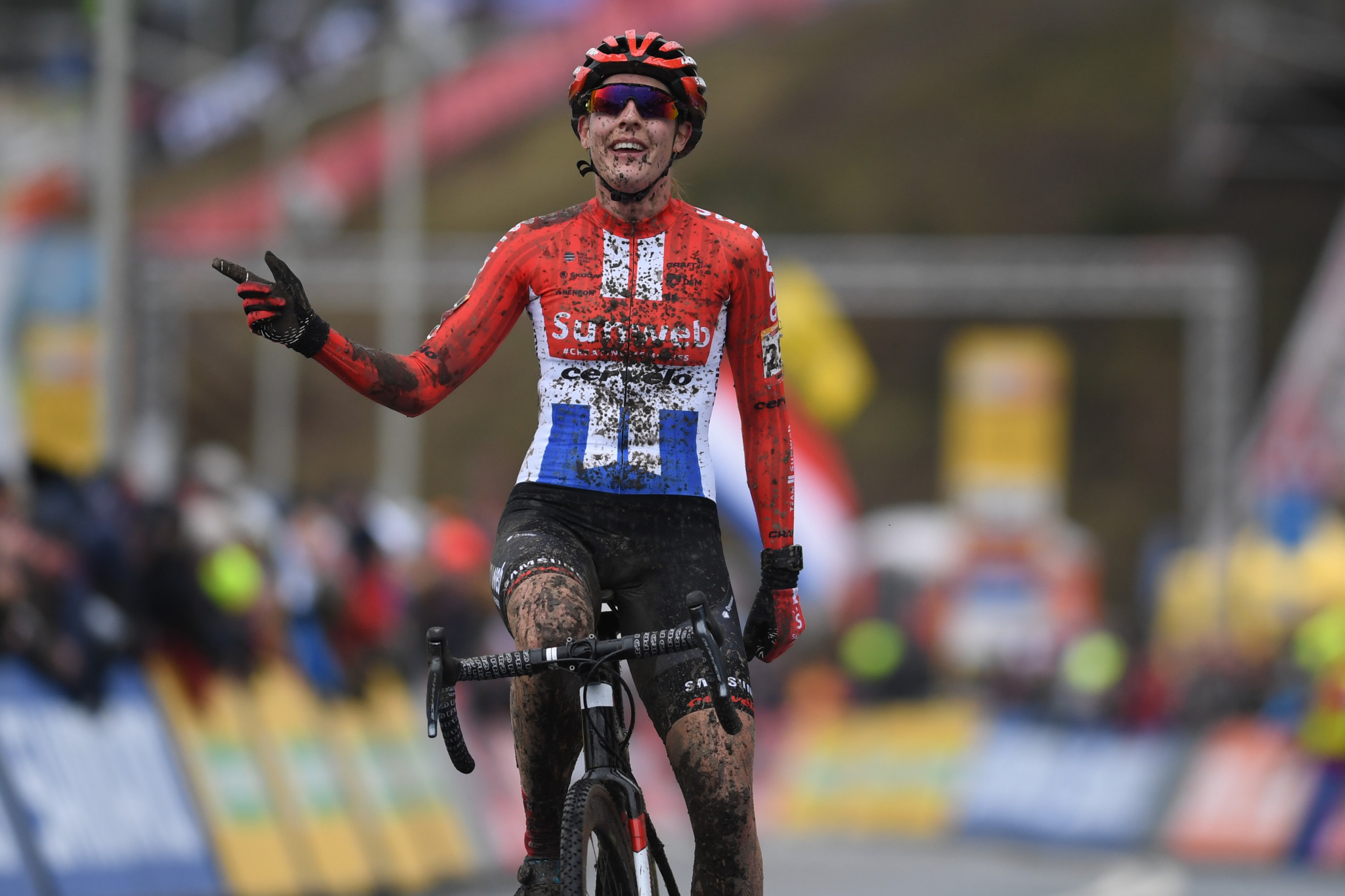Lucinda Brand claimed her third victory of the season in the women's race ©Getty Images