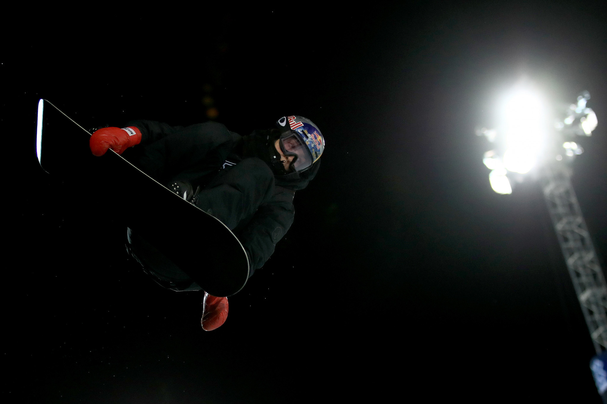 Olympic bronze medallist Scotty James triumphed in the men's snowboard superpipe event ©Getty Images