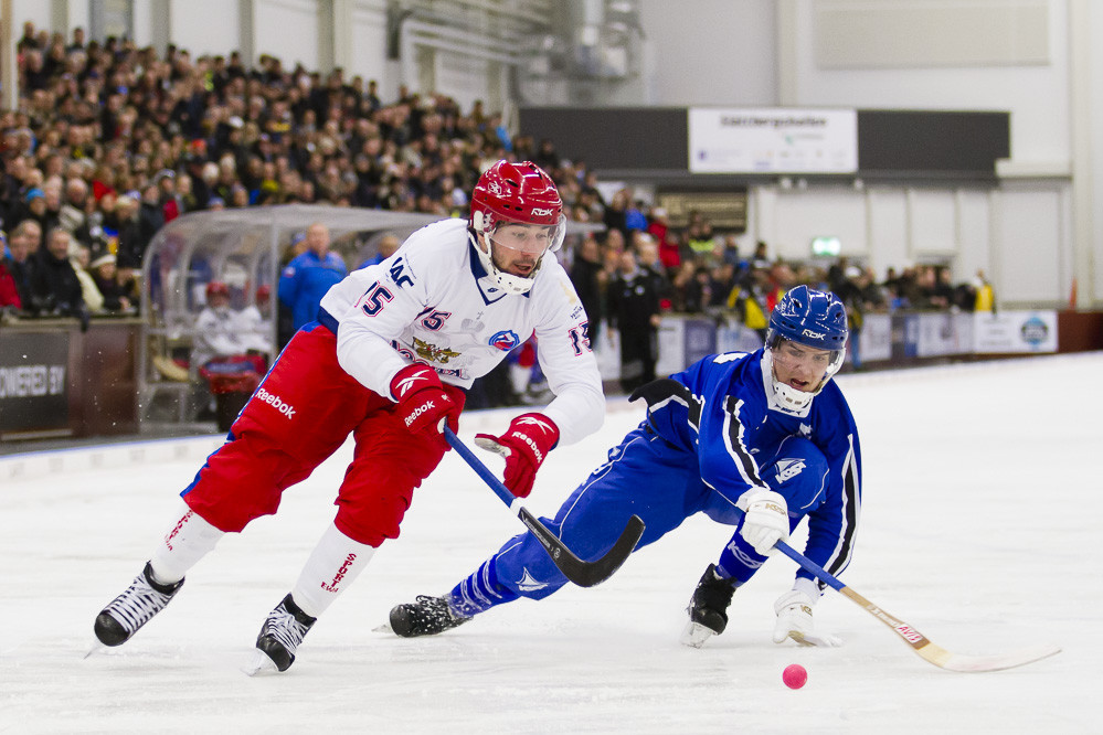 Russia recover from opening defeat with huge win at Bandy World Championship