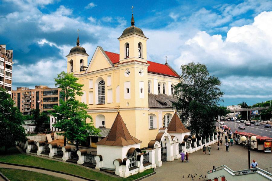The construction of the Cathedral of the Holy Apostles Peter and Paul began in 1611 and was completed by 1613 ©Minsk 2019