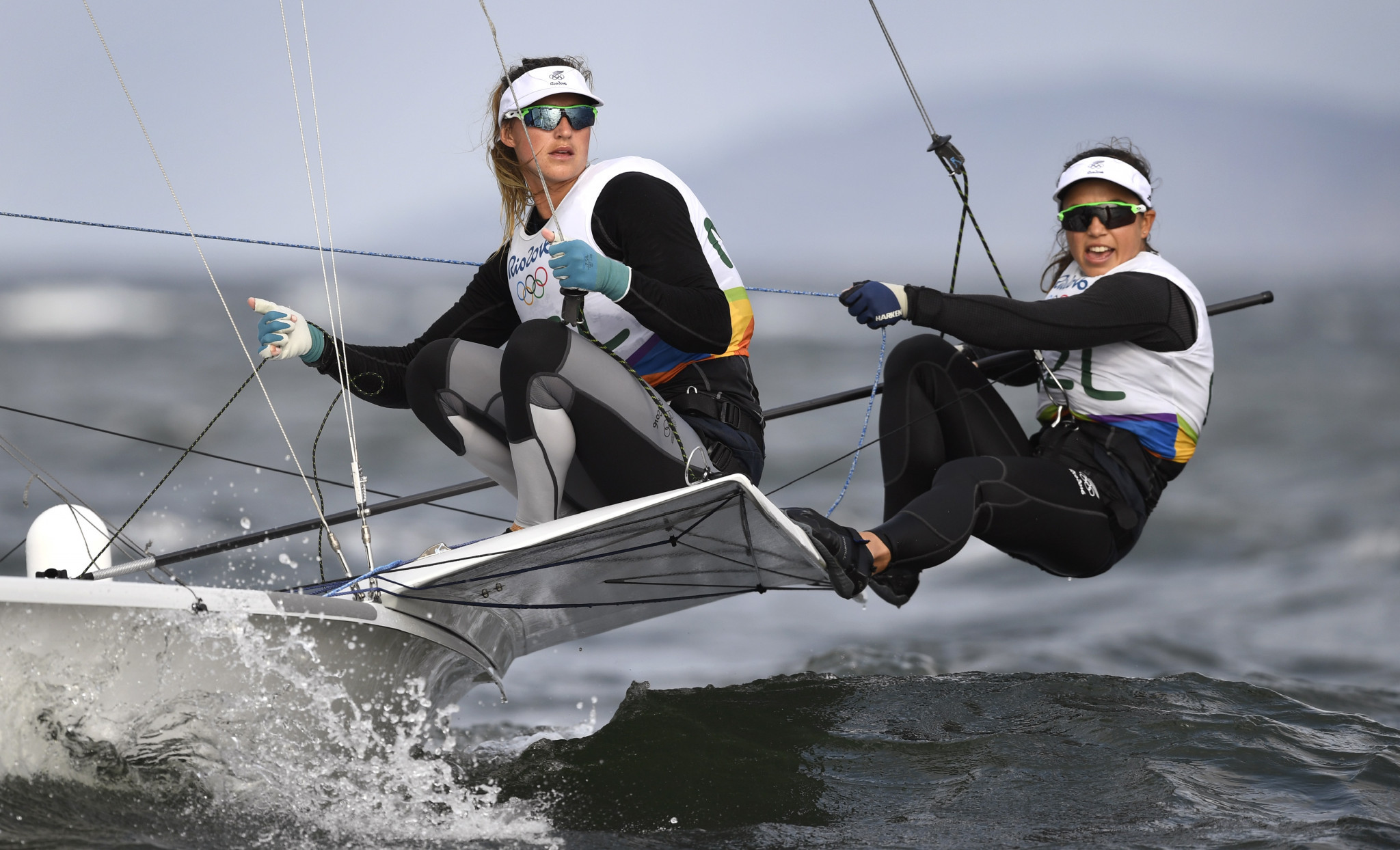 New Zealand's Alexandra Maloney and Molly Meech lead the 49erFX event at the Sailing World Cup in Miami ©Getty Images