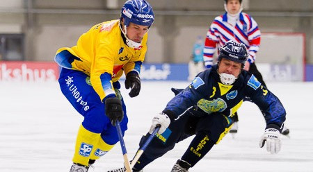 Hosts Sweden will meet defending champions Russia in the final of the Bandy World Championship in Vänersborg ©FIB/Martin Henriksson