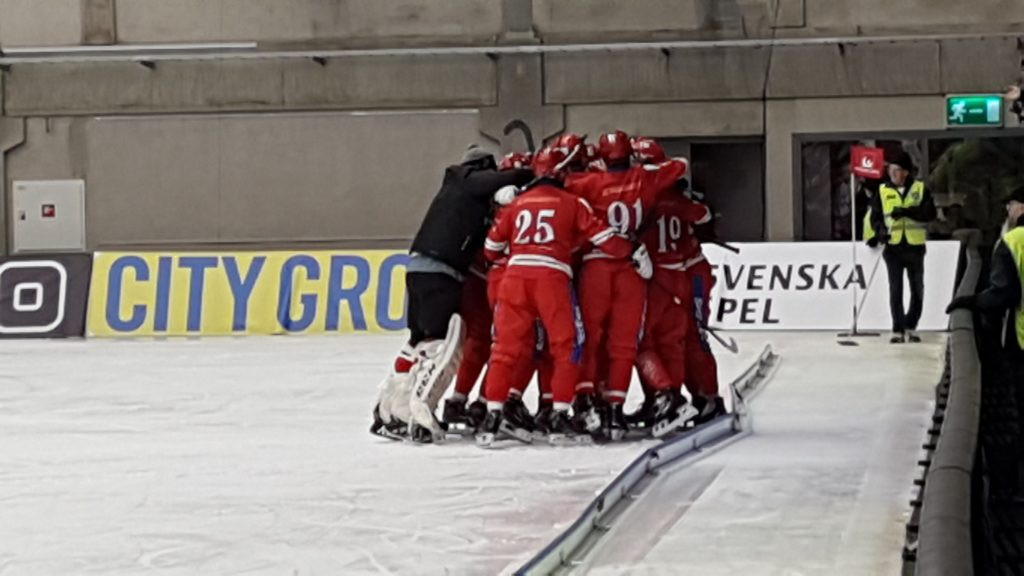 Russia defended their Bandy World Championship title in Vänersborg with victory over hosts Sweden ©FIB
