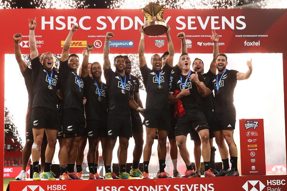 New Zealand moved to the top of the overall men's HSBC World Rugby Sevens Series standings with a comfortable victory over the United States ©World Rugby