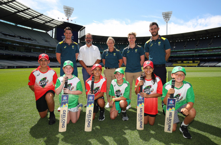 Australian players and youngsters help promote the 2020 ICC men's T20 World Cup at the Melbourne Cricket Ground, which will host the final on November 15 ©Getty Images