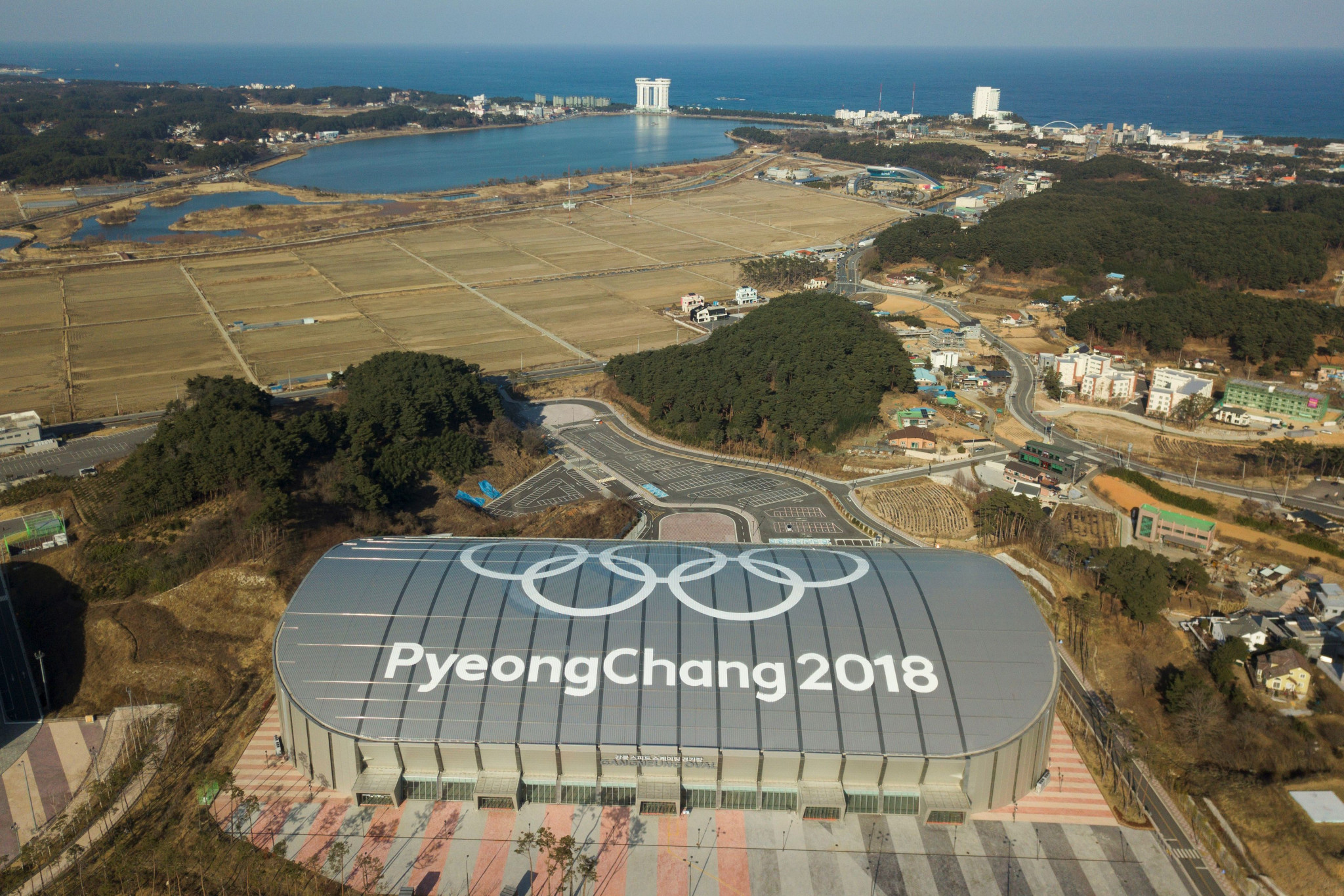A long-term future for the facilities built for Pyeongchang 2018, including the Gangneung Oval, where the speed skating was held, has been promised by Thomas Bach, despite there currently being no legacy plan in place ©Getty Images
