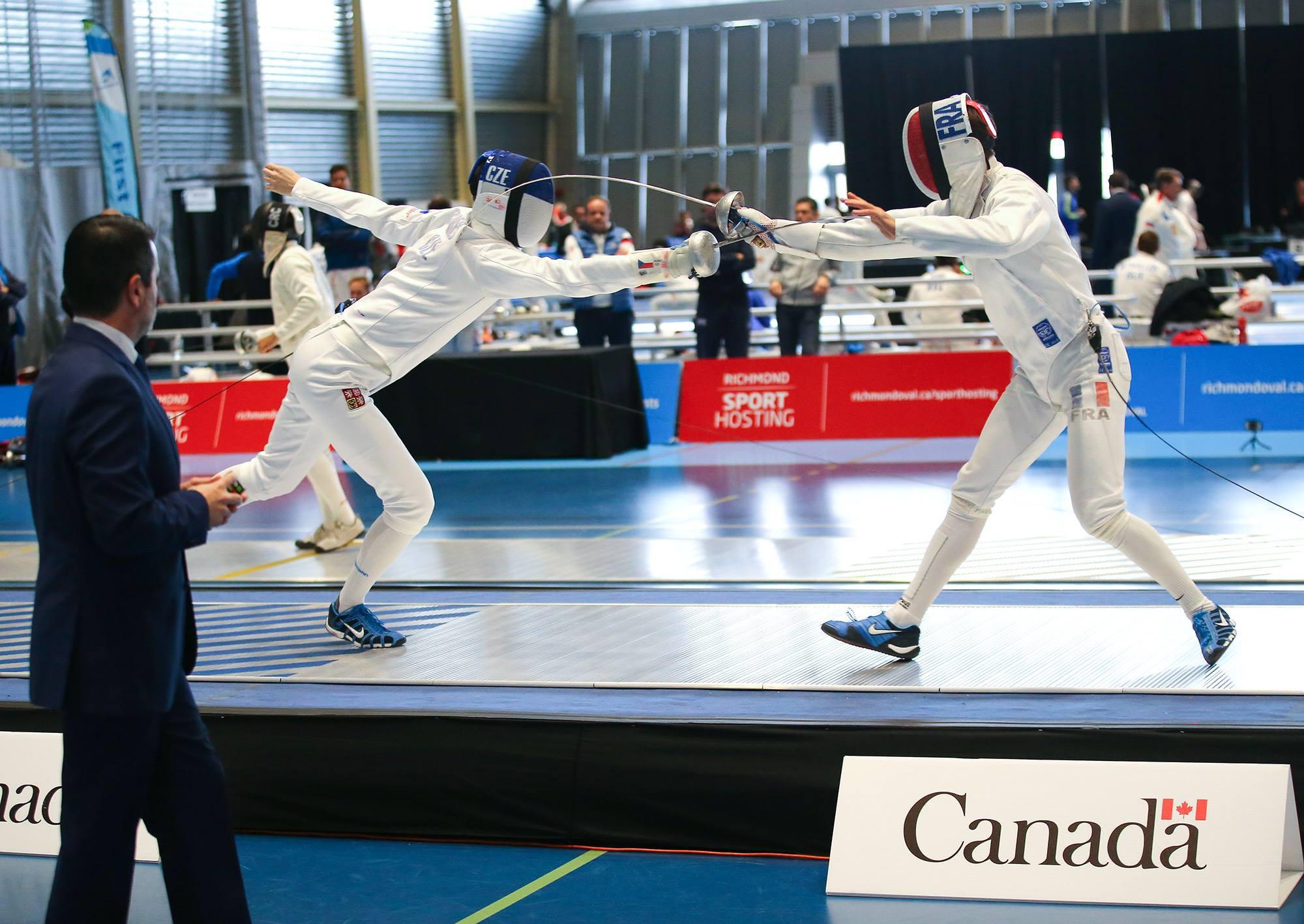 Competition also got underway at the FIE Men's Épée World Cup in Vancouver ©FIE/Facebook/Manky/Bizzi Team