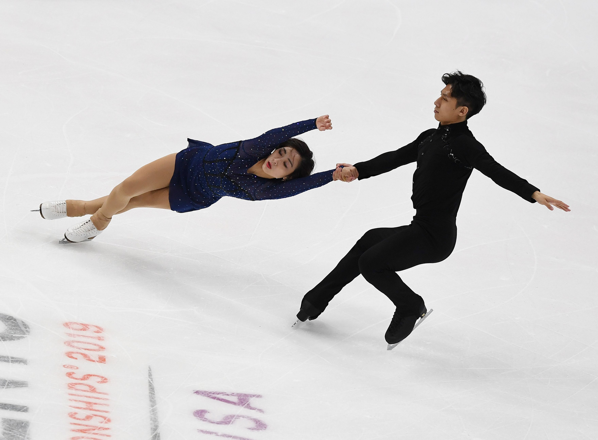 Wenjing Sui and Cong Han won the pairs competition for the fifth time in their career ©Getty Images