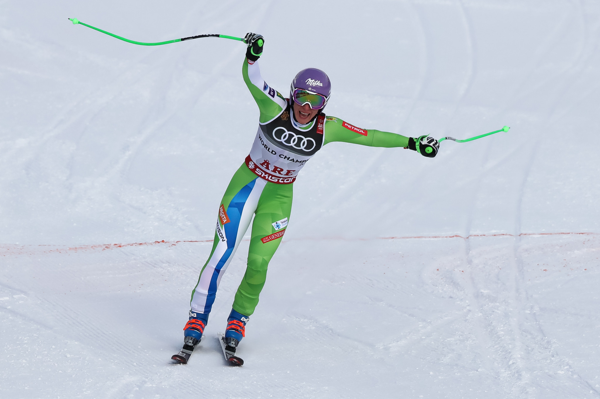 Štuhec defends downhill title as Vonn bows out with bronze at FIS Alpine Skiing World Championships