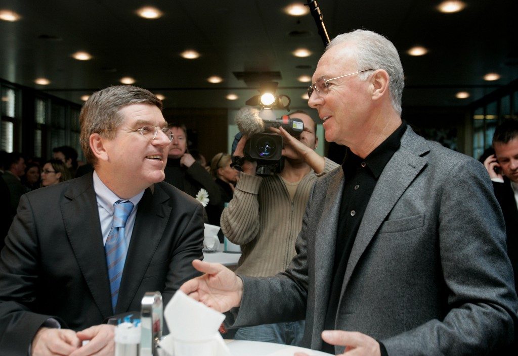The scandal engulfing the DFB and Germany 2006 head Franz Beckenbauer (pictured (right) with IOC President Thomas Bach, did not help Hamburg's prospects, Nikolas Hill believes ©Getty Images