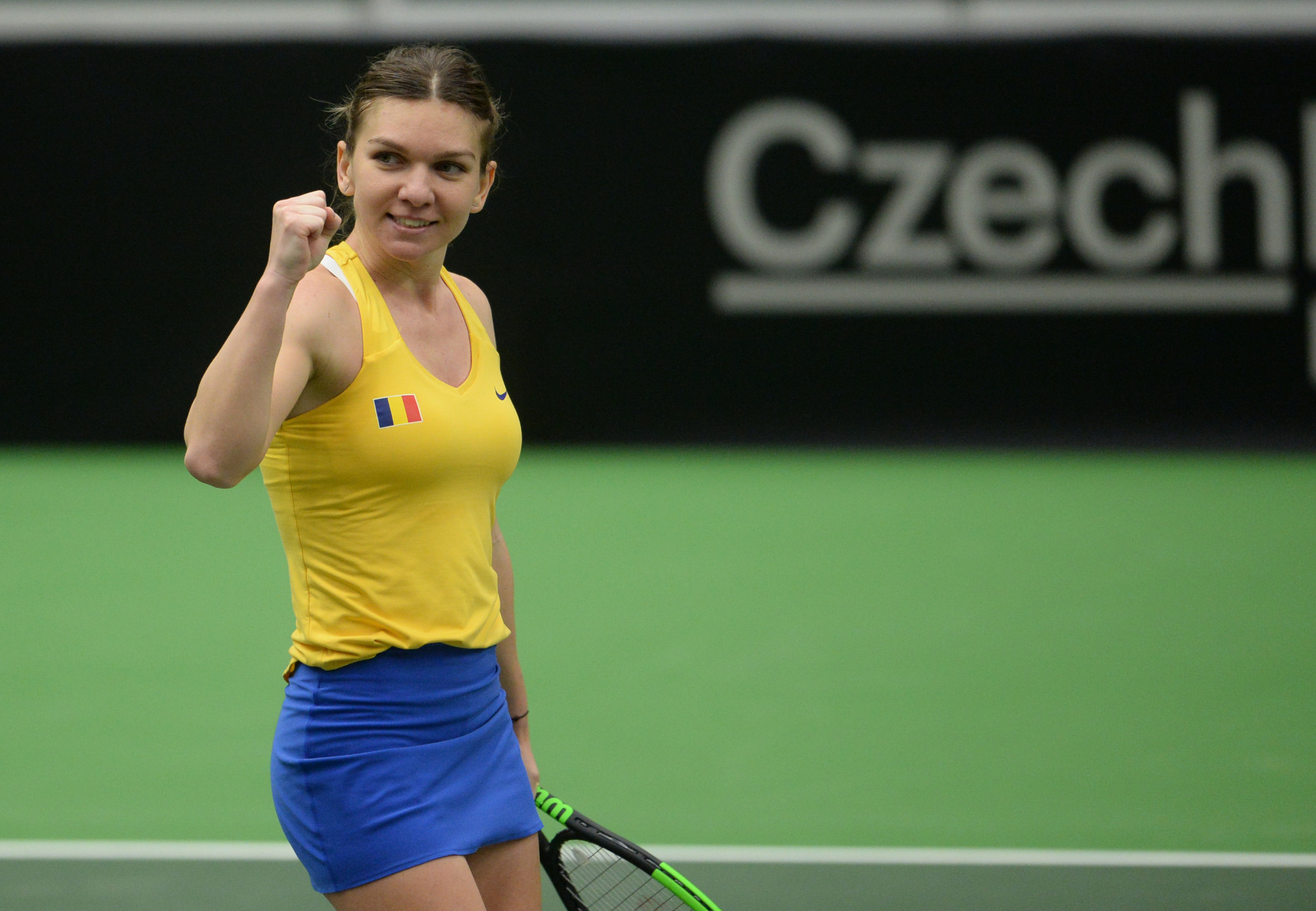 Top seed Halep through to quarter-finals at WTA Qatar Open