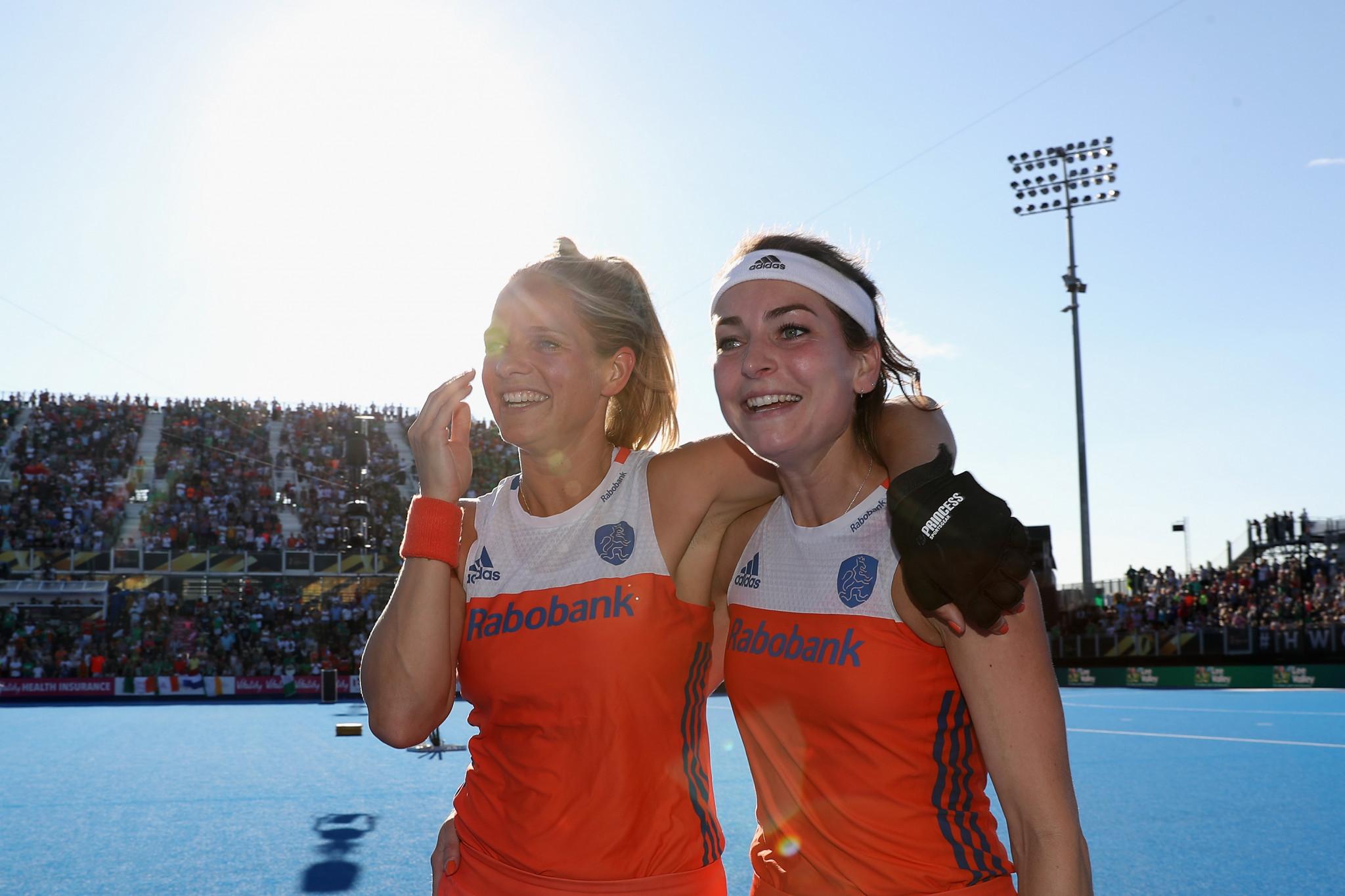 De Goede and Van Doren named world's best players at 2018 FIH Hockey Stars Awards