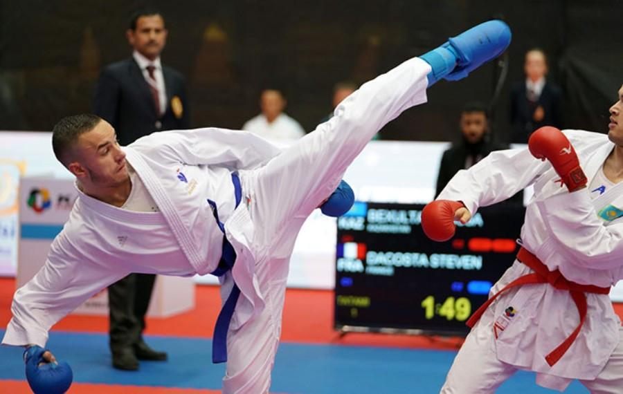 France's Steven Dacosta continued his impressive form in Dubai ©World Karate Federation