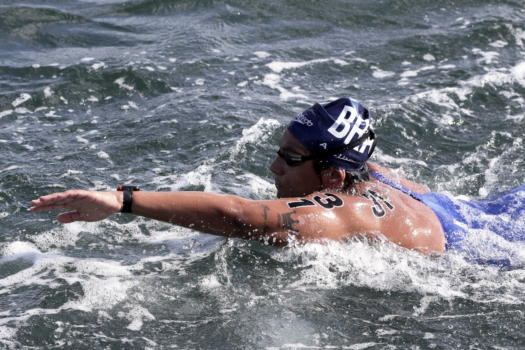 Cunha starts FINA Marathon Swim World Series title defence with victory in Doha