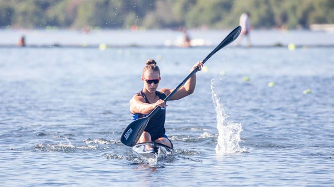 Double Olympic champion Carrington wins women's K1 200m at ICF Oceania Canoe Sprint Championships