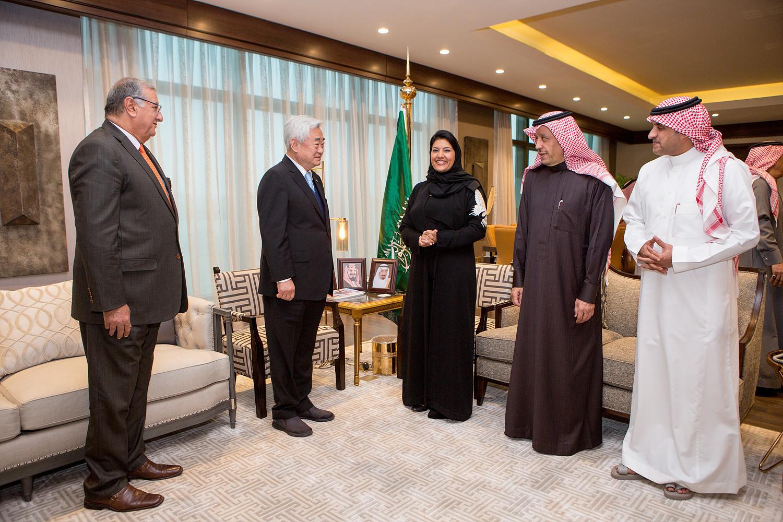 Choue meets Saudi officials before first Islamic Women's Open Taekwondo Championships
