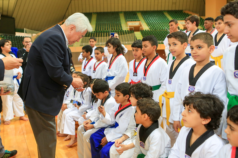 During the visit President Choue met young taekwondo athletes at the SAOC's training centre ©World Taekwondo