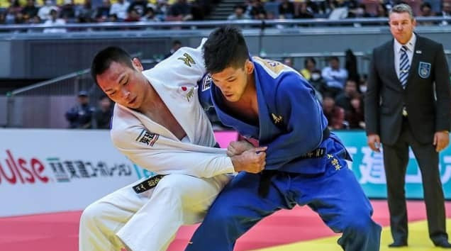 Olympic champion Shohei Ono, right, is set to open his 2019 season this weekend as Düsseldorf hosts the second IJF Grand Slam of the season ©IJF