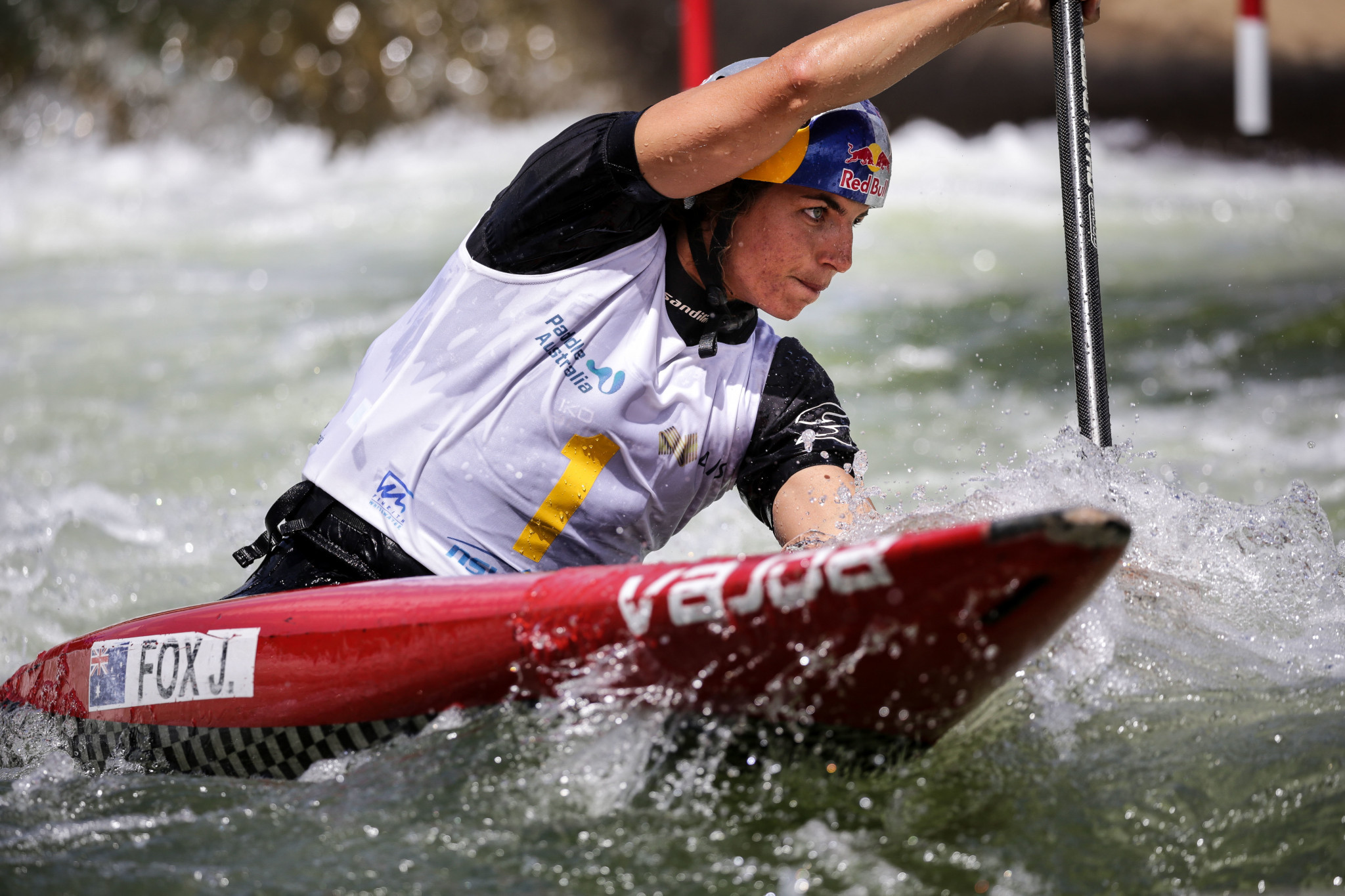 World champion Fox dominates qualifying in front of home crowd at Oceania Canoe Slalom Championships