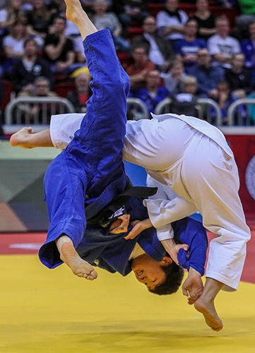 Funa Tonaki was one of Japan's four gold medallists on the opening day of the IJF Grand Slam in Düsseldorf ©IJF