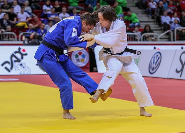 Olympic champion Majlinda Kelmendi of Kosovo earned her sixth IJF Grand Slam title with victory in the women's under-52kg division ©IJF
